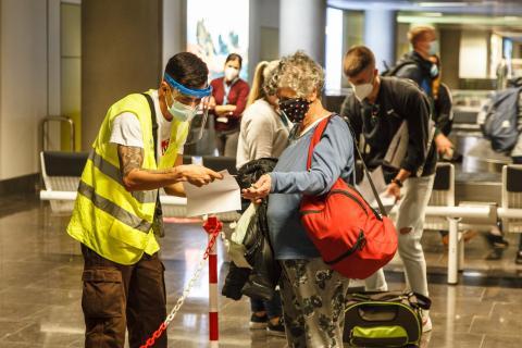 Pruebas PCR en aeropuertos canarios / CanariasNoticias.es