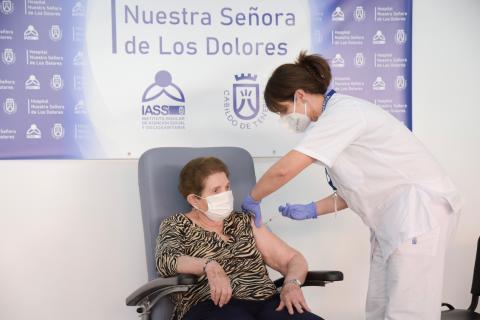 Canarias inicia la vacunación contra la COVID-19 / CanariasNoticias.es