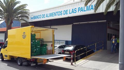 Entrega de comida de Correos al Banco de Alimentos de Las Palmas / CanariasNoticias.es
