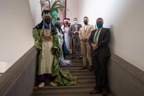 Héctor Suárez y Servando González con Nauzet Afonso y los Reyes Magos / CanariasNoticias.es