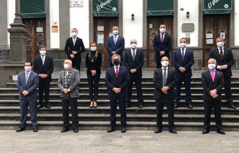 Román Rodríguez con los alcaldes de Gran Canaria / CanariasNoticias.es