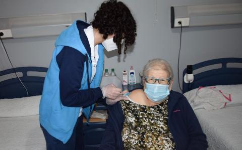 Vacunación contra Covid-19 en Residencia de Mayores de Barrial, Gáldar / CanariasNoticias.es