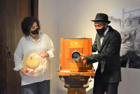 Jovita Monterrey y Pedro Riverol en la exposición de la Casa Salazar / CanariasNoticias.es