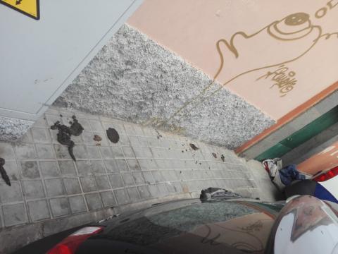 Suciedad en la calle Domingo Guerra del Río, en Las Palmas de Gran Canaria / CanariasNoticias.es