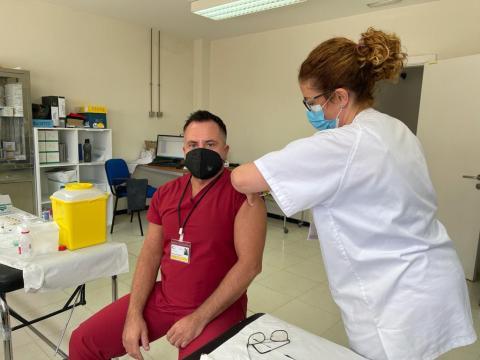 Vacunación contra Covid-19 de sanitario del SCS / CanariasNoticias.es