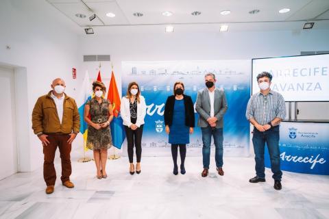 La alcaldesa Astrid Pérez y los portavoces del grupo de gobierno de Arrecife / CanariasNoticias.es