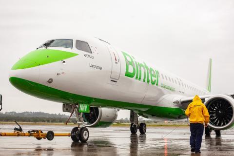 Avión Embraer E1495-E2 de Binter / CanariasNoticias.es