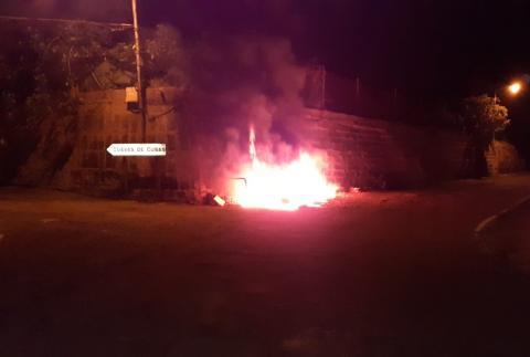 Contenedor quemado en Arenales (Telde) / CanariasNoticias.es