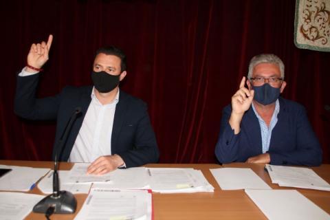 El alcalde de Yaiza Óscar Noda, y el primer teniente de alcalde  Ángel Domínguez / CanariasNoticias.es