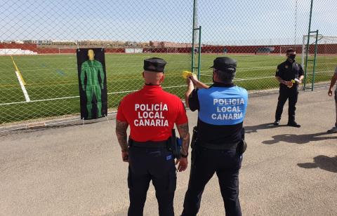 La Policía Local de Puerto del Rosario se forma en el uso y manejo de pistolas Taser / CanariasNoticias.es