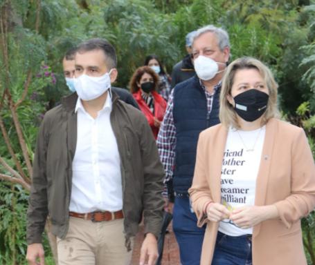 La consejera Alicia Vanoostende y el director general de Agricultura, Augusto Hernández/ canariasnoticias
