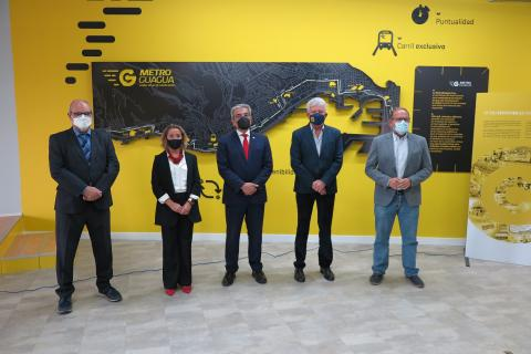 Román Rodríguez visita las instalaciones de Guaguas Municipales en Las Palmas de Gran Canaria / CanariasNoticias.es