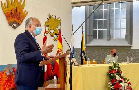 Casimiro Curbelo durante la presentación del libro de Leoncio Bento / CanariasNoticias.es
