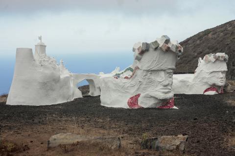 Escultura-homenaje de la Bajada de la Virgen de Los Reyes (El Hierro) / CanariasNoticias.es