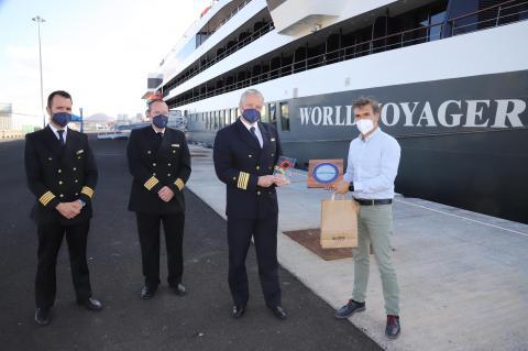 El crucero de lujo 'World Voyager' recala por  primera vez en Lanzarote / CanariasNoticias.es