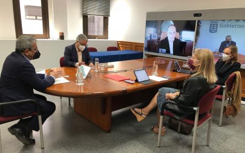 Román Rodríguez mantiene una reunión con la Asociación de Empresa Familiar / CanariasNoticias.es