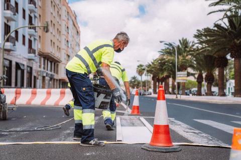 Arrecife refuerza la seguridad vial en las calles y remarca los pasos de peatones en las vías / CanariasNoticias.es