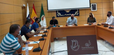 Convenio del Cabildo de Fuerteventura con las Cofradías de pescadores / CanraiasNoticia.es