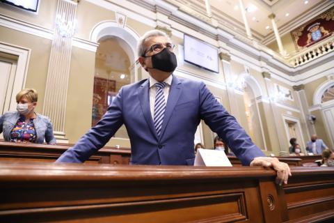 Román Rodríguez en el Parlamento de Canarias / CanariasNoticias.es