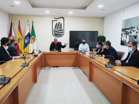 Ayuntamiento de Puerto del Rosario negocia con DISA