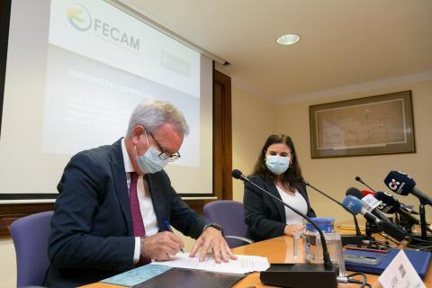 Firma del Convenio entre Obras Públicas y FECAM / CanariasNoticias.es