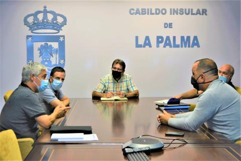 Reunión del Cabildo con los caficultores de La Palma / CanariasNoticias.es