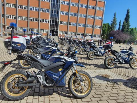 La Policía Nacional presenta 22 nuevas motos eléctricas que incorpora a su flota de vehículos policiales / CanariasNoticias.es