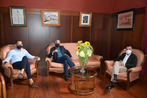 El alcalde de Gáldar Teodoro Sosa con César Ubierna, director de la Casa Museo Antonio Padrón / CanariasNoticias.es