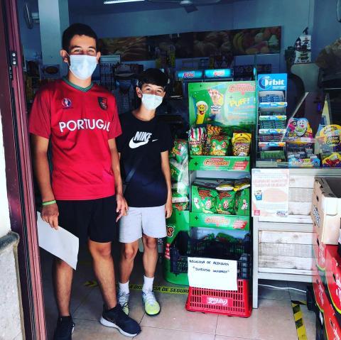 Jóvenes isoranos organizan una recogida solidaria de alimentos/ canariasnoticias