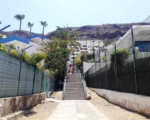 Mogán destina 218.000 euros a rehabilitar varias escaleras en Puerto Rico / CanariasNoticias.es