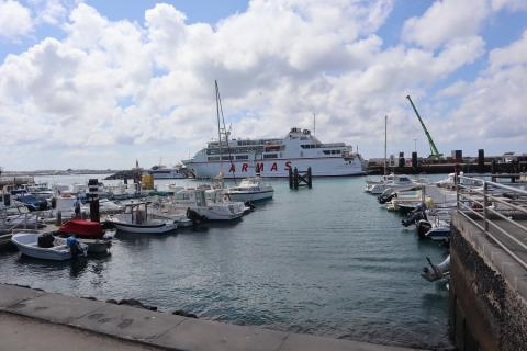 Puerto de Playa Blanca en Yaiza (Lanzarote) / CanariasNoticias.es