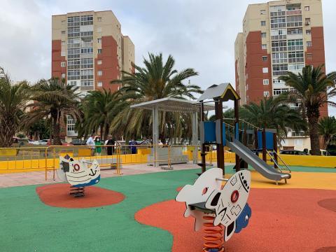 Telde rehabilita el parque infantil de la II Fase del Valle de Jinámar / CanariasNoticias.es