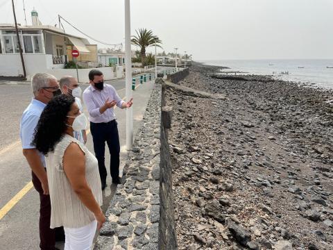 Visita a Playa Quemada en Yaiza (Lanzarote) / CanariasNoticias.es