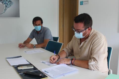 El consejero de Igualdad y Políticas Sociales, Adargoma Hernández, y Jorge Rojo/ canariasnoticias