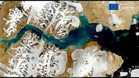 Glaciares que se derriten alrededor de Constable Pynt, en Groenlandia, el 28 de julio de 2021
