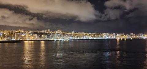 Las Palmas de Gran Canaria desde el mar y de noche/ canariasnoticias