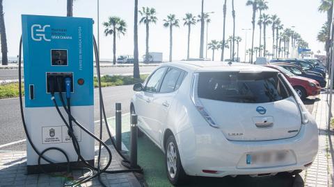 Punto de recarga de vehículos eléctricos en Gran Canaria / CanariasNoticias.es