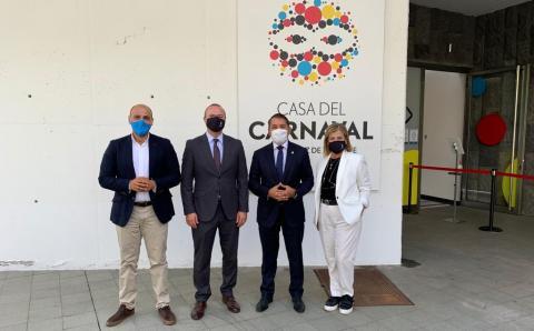 Las Palmas de Gran Canaria y Santa Cruz de Tenerife coordinan el carnaval y la navidad / CanariasNoticias.es