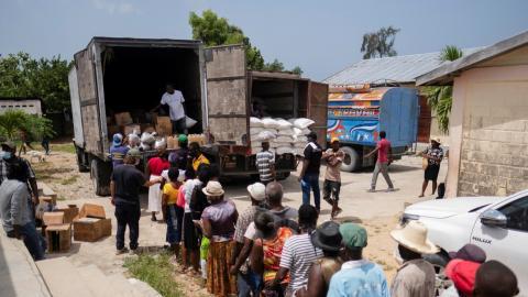 Haití. Colas del hambre
