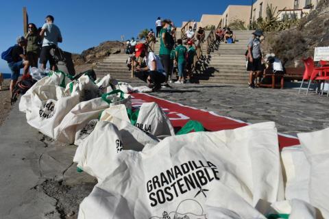 Limpieza del litoral y del fondo marino de Granadilla de Abona / CanariasNoticias.es