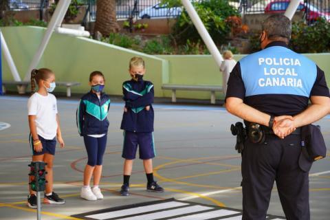 La Policía Local de Santa Cruz de Tenerife estrena sus actividades con escolares / CanariasNoticias.es