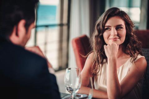 ¿Están los hombres realmente preparados para mantener una relación auténtica con una chica que trabaja en la industria del entretenimiento para adultos?