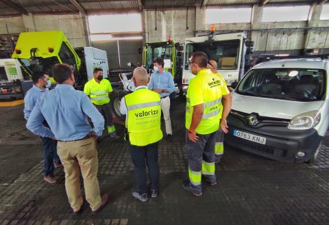 Santa Cruz de Tenerife envía tres vehículos a La Palma / CanariasNoticias.es